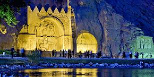 گردش در شهرهای تاریخی ایران با امکان اجاره ماشین